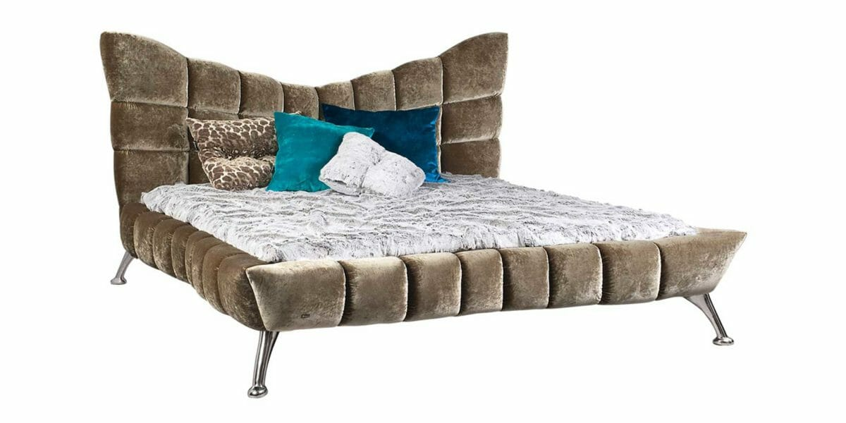 Bretz Bett Cloud 7 W154 in austernpilz mit Ponyhuf Füßen