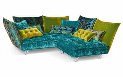 Bretz Sofa Ohlinda M118 in Lagoon blue/midsummer oliv/arabesk türkis Bezug