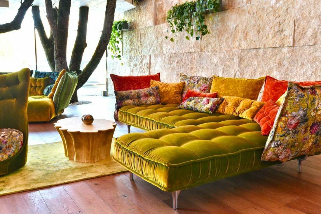 bretz sofas im foyer vom mawell resort bretz hotel referenz. Black Bedroom Furniture Sets. Home Design Ideas