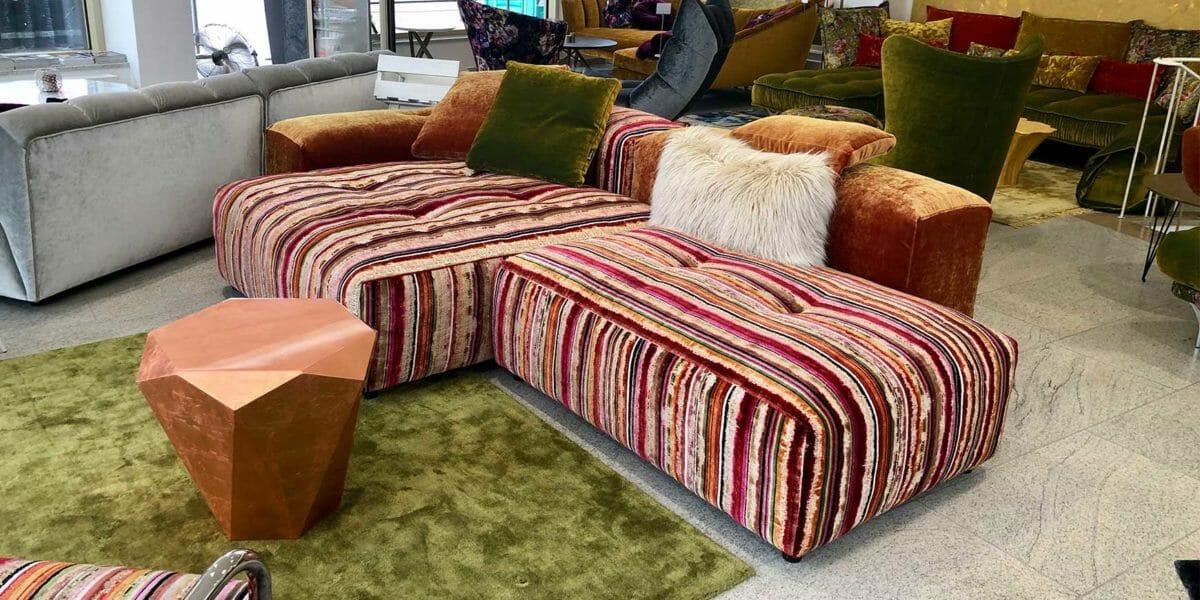Bretz Sofa DropCity als Ausstellungsstück in orange-grün-pink