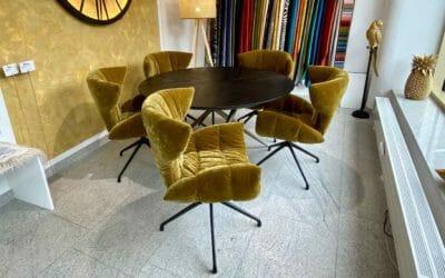 Bretz Esstisch Ohlinda N118R + Stuhl Cassia B156 in gold green Bezug als Ausstellungsstück