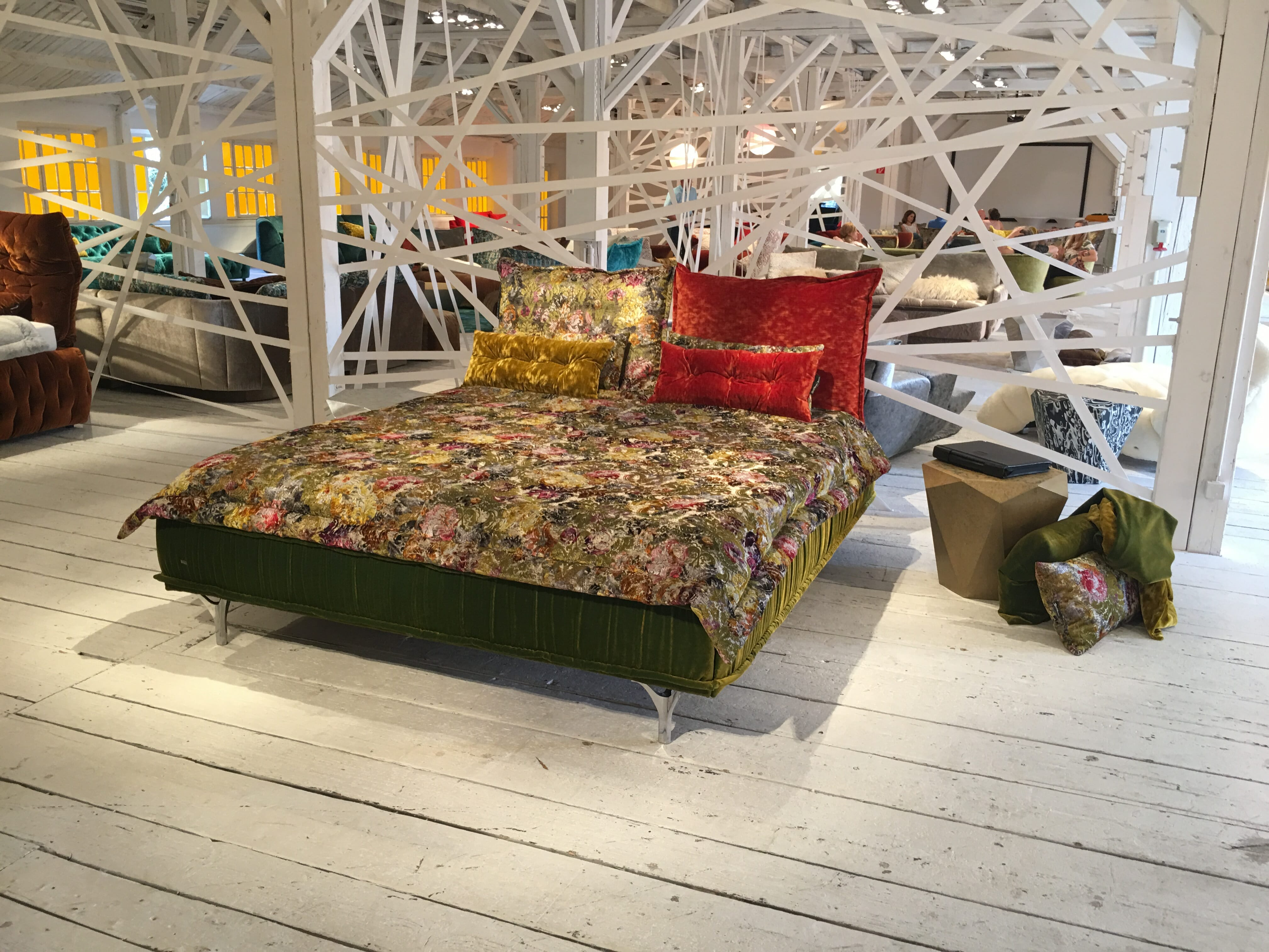 bett ohlinda von bretz bretz designerm bel n rnberg. Black Bedroom Furniture Sets. Home Design Ideas