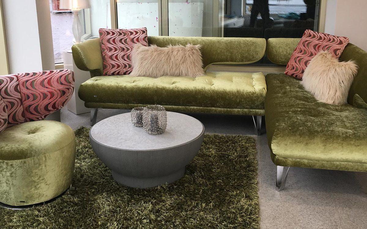 bretz sofa croissant 2018 in unserer ausstellung. Black Bedroom Furniture Sets. Home Design Ideas