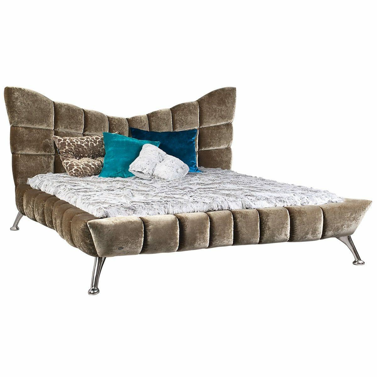 Bretz Bett CLOUD7 W154 in austernpilz mit Ponyhuf Füßen
